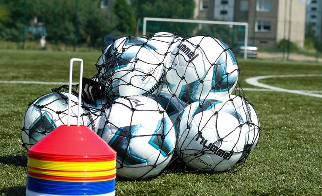 Tęsiasi 17-asis LFF paramos futbolui fondo paraiškų etapas inventoriui įsigyti