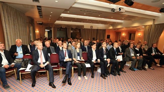 Forume – pasiūlymai dėl permainų valdymo sistemoje