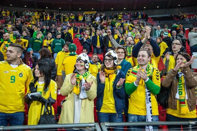 Palaikykite Lietuvos futbolo rinktinę Škotijoje