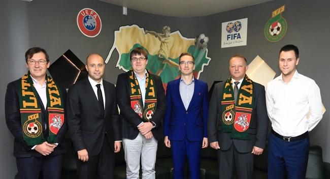 "Nauji futbolo rėmėjai – ""Diremta"" ir ""Ollex"""