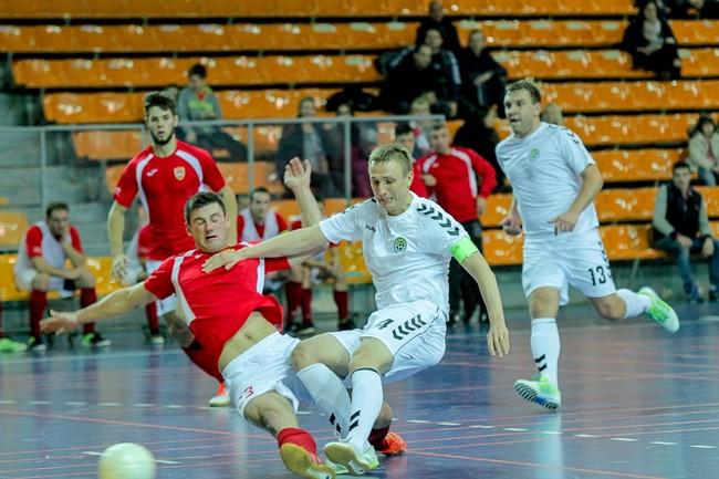 Futsal A lygos starte - sunki čempionų pergalė