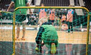 Šiauliuose – futbolo šventė globos namų vaikams