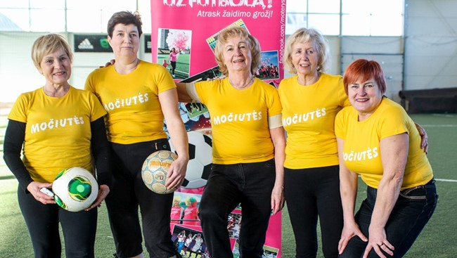 Močiučių futbolo iniciatoriaus vizijoje - močiučių čempionatas