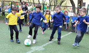 """Vilniaus darželyje atidaryta """"Užauginkime Ronaldo Lietuvai"""" aikštelė"""