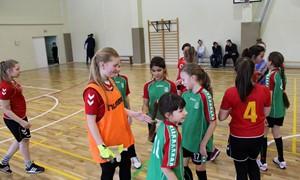 Merginų salės futbolas užkariauja Vilniaus rajoną