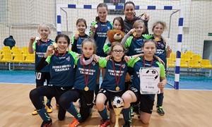 """Mergaičių mažojo futbolo čempionate triumfavo Kauno SM """"Tauras"""""""