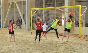 Paplūdimio futbolas – alternatyva vaikams ir jaunimui