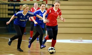 Moters dienos proga - futbolo šventė Utenoje