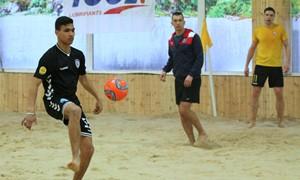 Paplūdimio futbolo rinktinės treniruotėje apsilankė A lygos žaidėjai