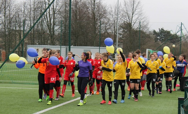 Moterų futbolo sezono starte – įvarčių gausa