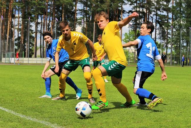 Turnyrą Latvijoje pradėjo lygiosiomis