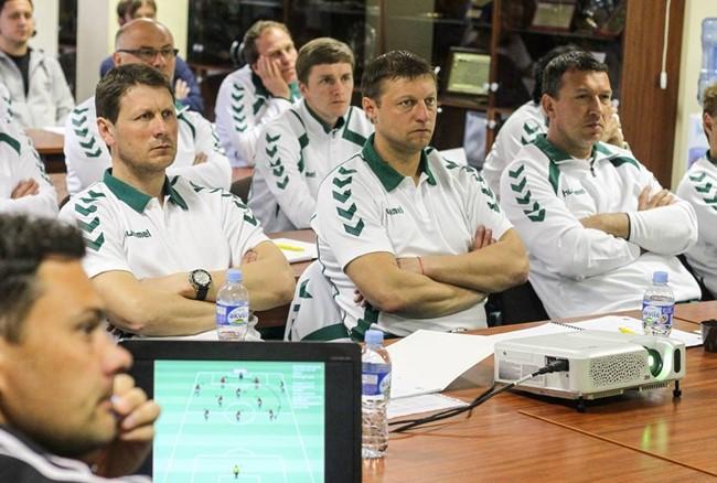 Skelbiama registracija į UEFA B licencijos trenerių kursus