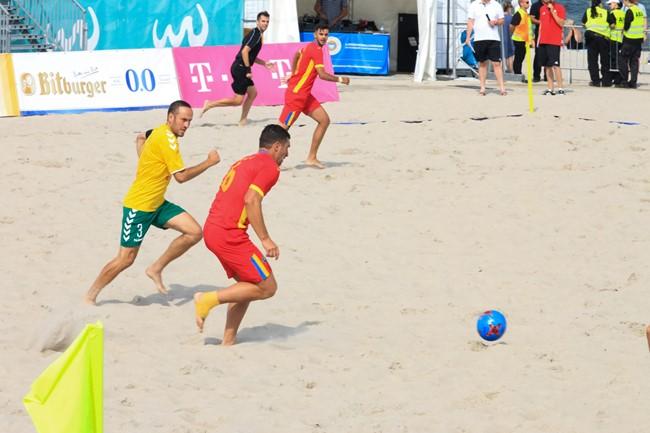 """Prasidėjo registracija į """"Stiklita"""" paplūdimio futbolo pavasario turnyrą"""
