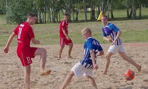 Prienuose įrengta paplūdimio futbolo aikštelė