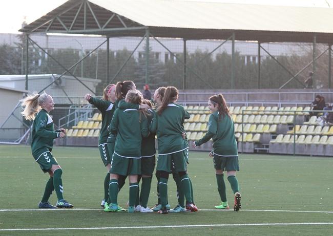 Kontrolinėse rungtynėse sutriuškino Latvijos komandą