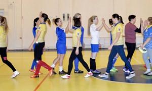 Utenoje startavo moterų futsalo turnyras