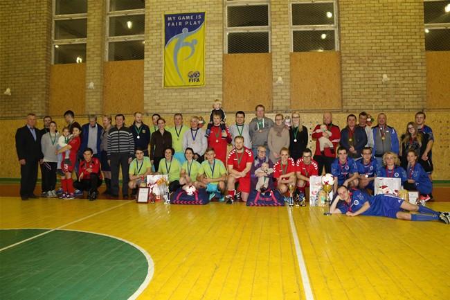 Kalėdinį šeimų turnyrą laimėjo Užinskai