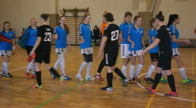 Moterų Futsal čempionate galingai startavo Jonavos ir Vilniaus ekipos