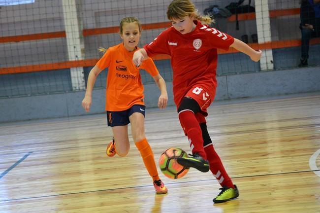 Pajėgiausios mergaičių komandos susirungė Gargžduose
