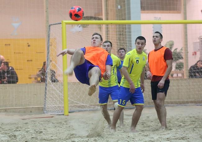 Paplūdimio futbolo pirmenybių starte – rezultatyvios ir įtemptos dvikovos