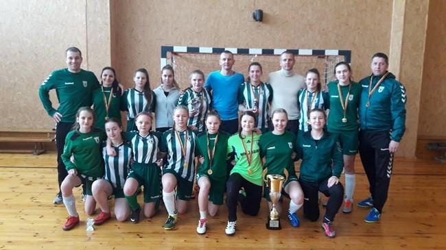 Vievyje surengtas merginų salės futbolo turnyras