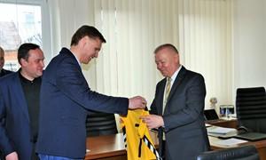 """""""Dainavos"""" atstovai ir Lietuvos rinktinės treneris susitiko su Alytaus vadovais"""
