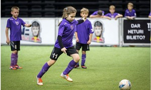 Šiaulių regiono mergaitės meta iššūkį mažojo futbolo čempionate