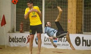 """Paplūdimio čempionato komandos stos į kovą dėl """"Stiklitos"""" taurės"""