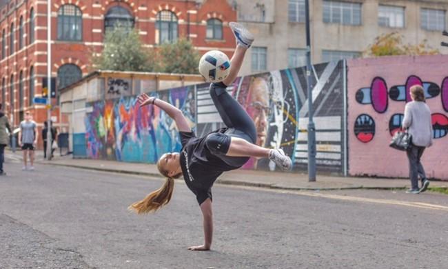 Merginos kviečiamos dalyvauti interaktyvioje UEFA kampanijoje