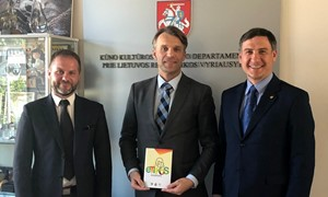 Pirmasis šalyje futbolo etikos kodeksas ant sporto vadovo stalo