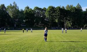 Jonavietės ir Vilniaus regiono futbolininkės tęsia pergalių serijas