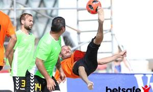 """Tęsiasi registracija į """"Stiklita"""" Lietuvos paplūdimio futbolo čempionatą"""