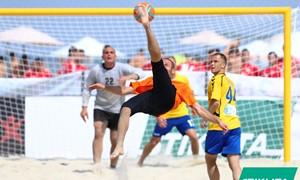 Palangoje – intriguojantis paplūdimio futbolo turnyras