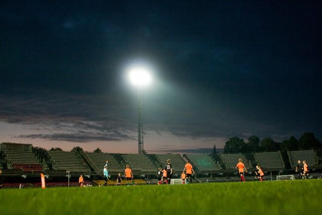 44 vaikų futbolo komandos šėlo S. Dariaus ir. S. Girėno stadione