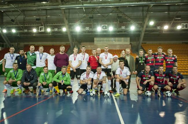 Kauno sporto halėje varžėsi futsal mėgėjai