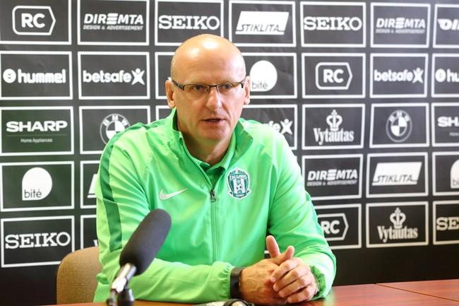 Lietuvos futbolo rinktinę treniruos V. Urbonas