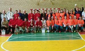 Seimo nariai dalyvavo turnyre Lietuvos nepriklausomybės atkūrimo dienai pažymėti