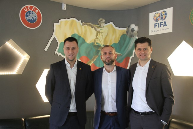 """""""UEFA Grow"""" specialistai padės augti Lietuvos futbolui"""