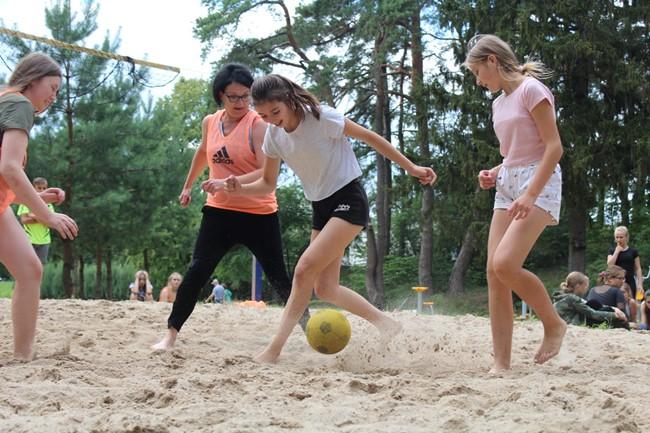 Lietuvos ir Ukrainos atstovai susitiko futbolo aikštėje