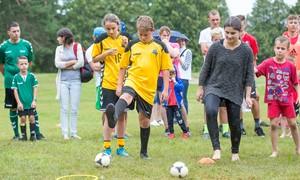 """Kačerginėje – tradicinė šeimų futbolo šventė """"Vieninga šeima"""""""