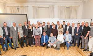 Ukrainos ambasadoje prisiminta abiejų šalių futbolo istorija