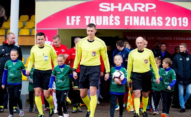 SHARP LFF taurės finalas teisėjų akimis