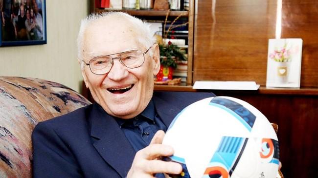 Šiaulių futbolo legenda švenčia garbingą jubiliejų