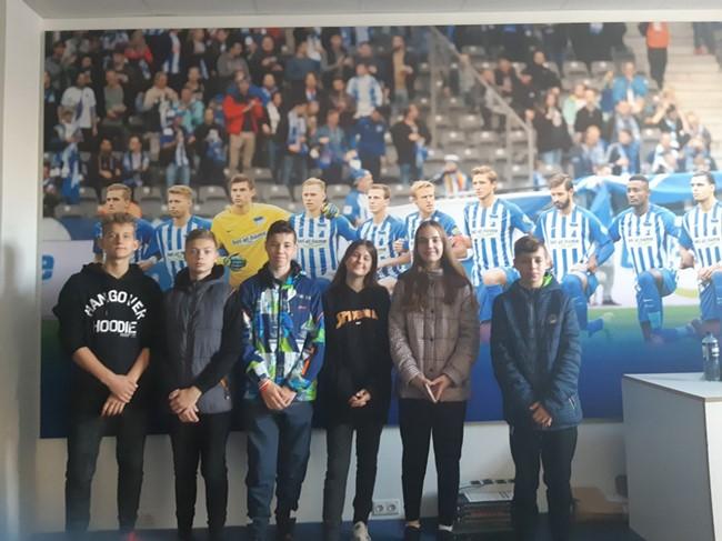Konkursą laimėję moksleiviai Berlyne stebėjo Bundeslygos rungtynes