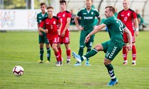 Arūnas Klimavičius baigė 20 metų trukusią futbolininko karjerą