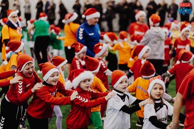 """""""Futboliuko Kalėdų"""" siautulyje – pusė tūkstančio vaikų"""
