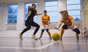 Profesijų futbolo šventėje – netradicinės futbolo taisyklės