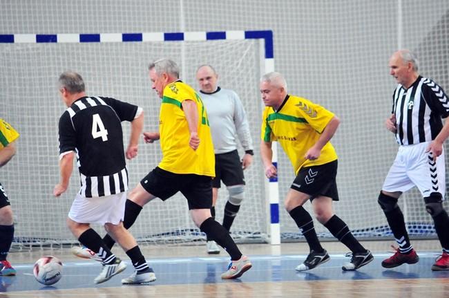 Prasidėjo registracija į IV tarptautinį senjorų salės futbolo turnyrą Utenoje