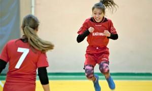 Merginų Futsal žaidynėse įsibėgėja apskričių finalų kovos