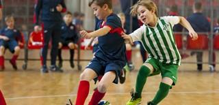 """Futsal turnyre """"Auk su futbolu"""" – garliaviečių triumfas"""